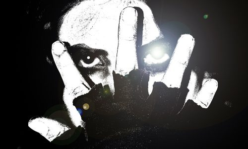 Ausschnitt Cover: John Aysa: SHE - Eiskalte Wut